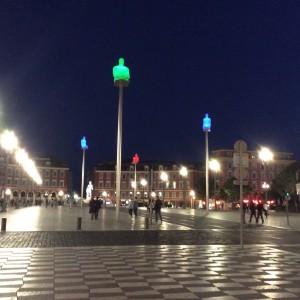 Jueves 3, visita de Niza a pie la nuit