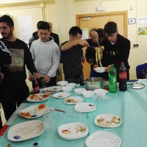 14 comida con alumnado y profesorado