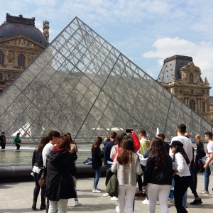 3. Paris. Musée du Louvre.